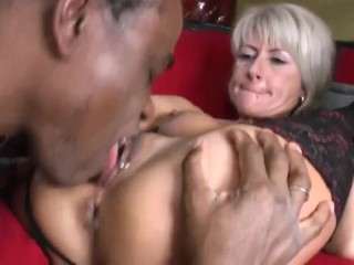 Red-hot grind cougar Cathy E enjoy huge ebony schlongs