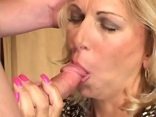 Stunning butt cougar platinum-blonde Debbie Lien gets her gash pounded hard-core and likes it on the bed