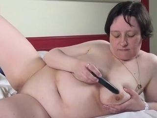 Belgian mature woman frolicking with her cooch