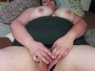 Hot BBW Wifey Rubs Clit round height! Accustom oneself to UP!