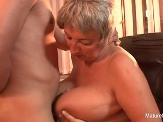 Mature plumper Takes A stream On Her big inborn bosoms - Mature'NDirty