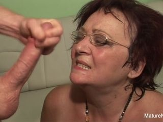 Nasty Mature humps 2 fellows In A Row - Mature'NDirty