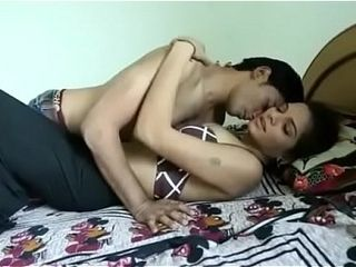 Shruti bhabhi romance with elderly dude pal in absense of her spouse (chennai-escort.com)