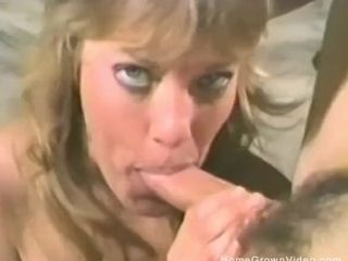 Blondie wifey playthings all of her fuck holes before deep-throating a salami